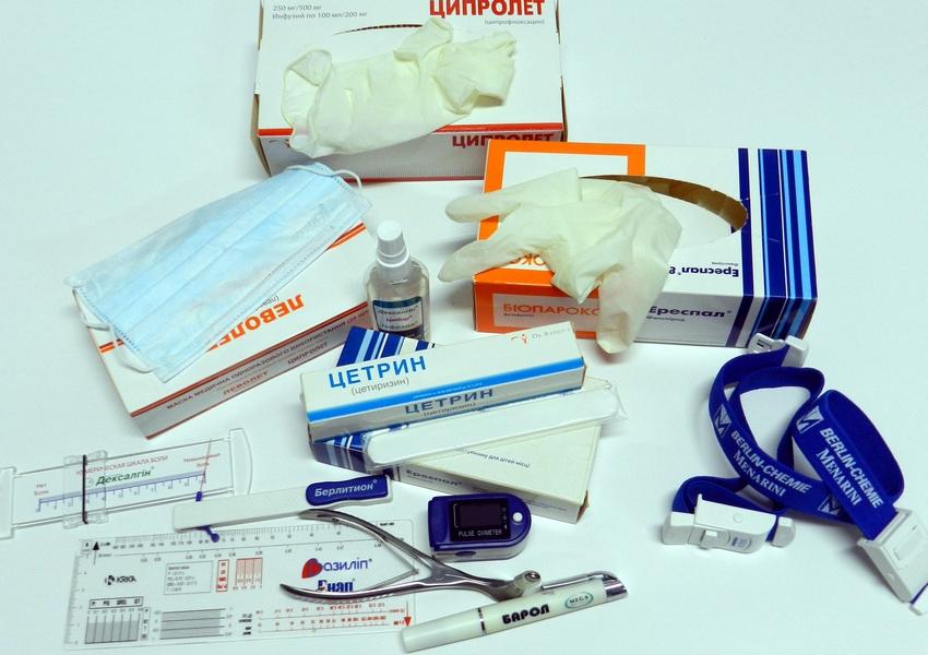 Медицинские инструменты и материалы